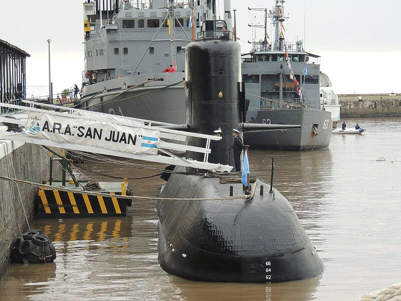 Relatives of lost Argentinian submarine raise funds to continue search
