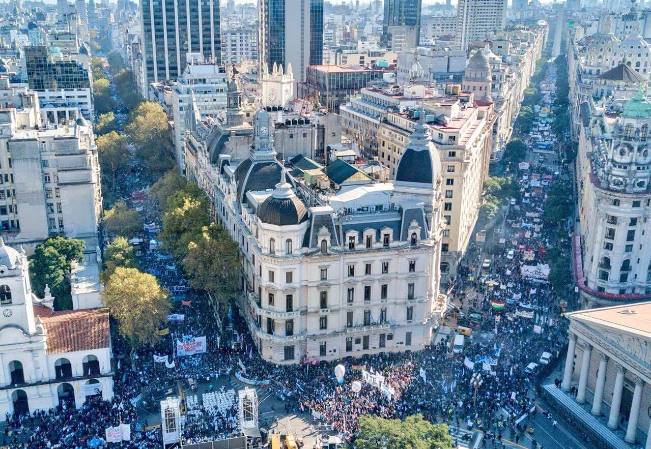 Teachers take to the streets in Buenos Aires as pupils miss out on another day of school