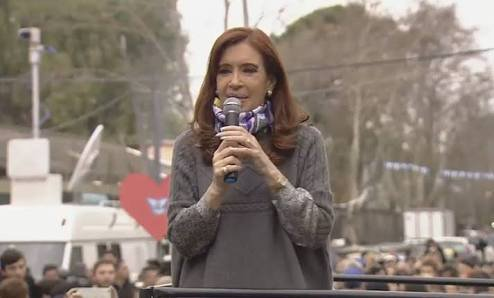 Lawyers accuse Cristina Kirchner of 913 separate cases of corruption