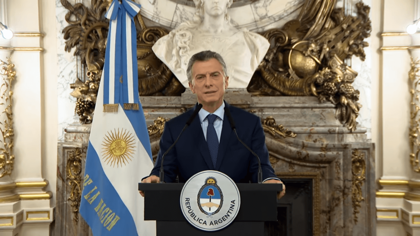 "Macri declares Argentina is in ""an emergency,"" and Dujovne explains drastic austerity measures"